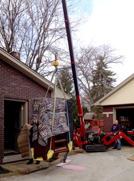 Mini crane is the heavy lifter