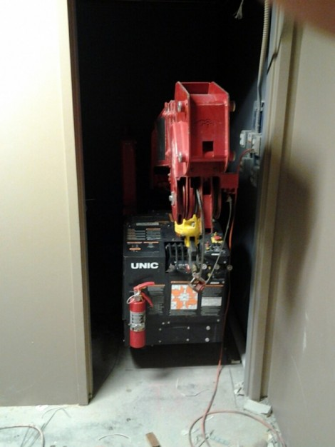 Compact crane fits into a closet