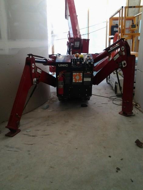 Crane outriggers can be set various ways