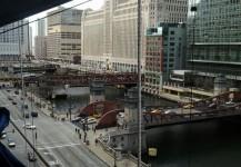 Spydercrane boom over the Chicago River